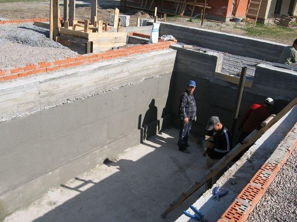 Строим подвал в гараже